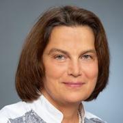 Dr.in rer.nat., Mag.a phil. Boglarka Hadinger