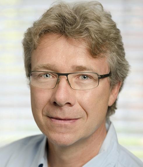 Dr.biol.hum. Robert Mestel